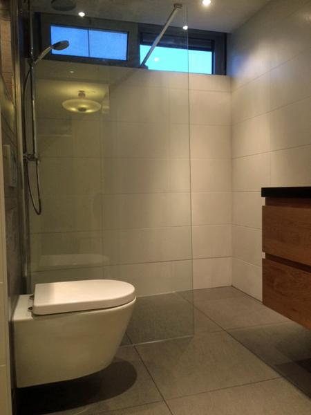Renovatie badkamer Huizen - B&C TEGEL-DESIGN
